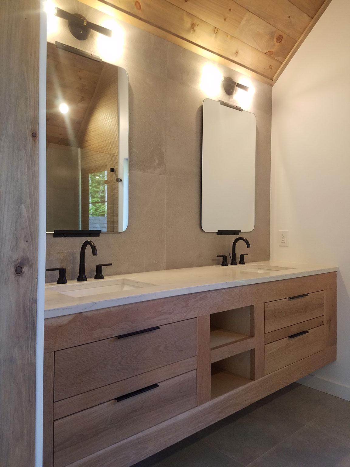 Bathroom: Double Sinks